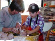 pottery-hands-ontaurus