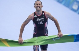 andy-j-lewis-winning-in-rio